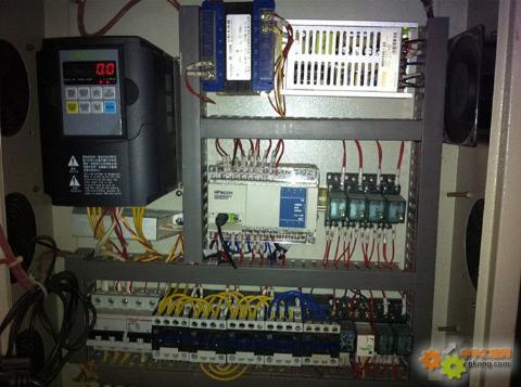 主题:维控hmi和plc在多层板切板机的应用